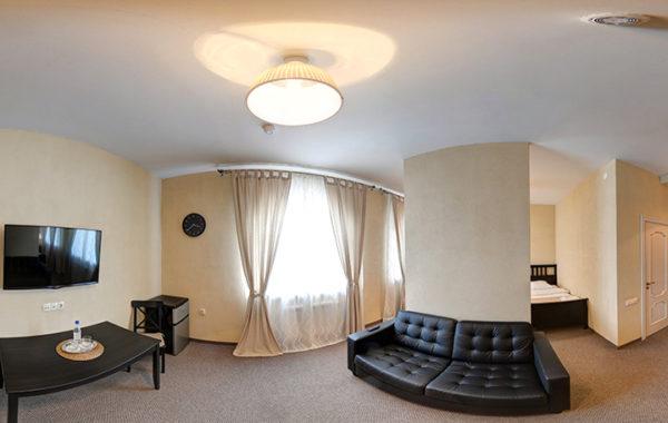 №21 «Студия» две полутороспальные кровати и диван